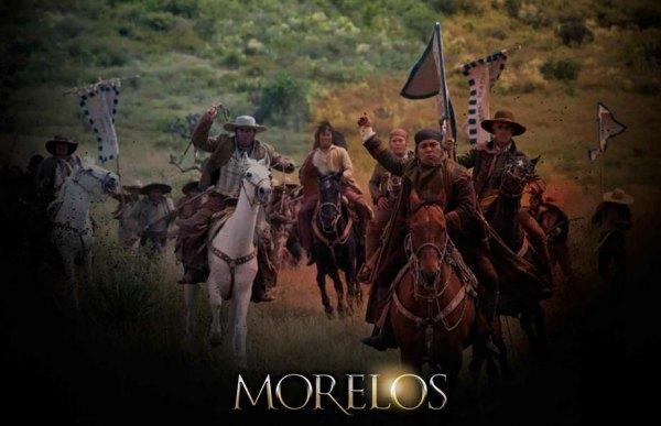 Bajan a Morelos del pedestal