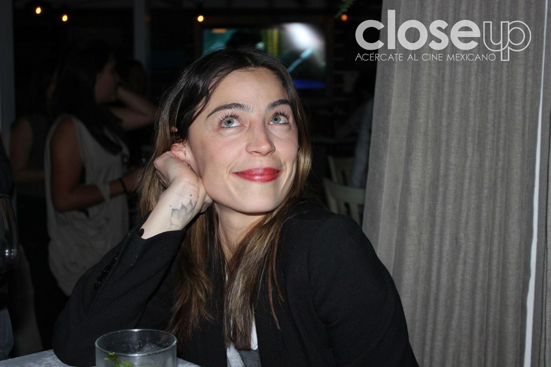 Ilse Salas aprende a bucear para una película