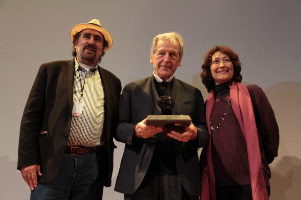 Costa-Gavras recibe la primera medalla Cineteca Nacional